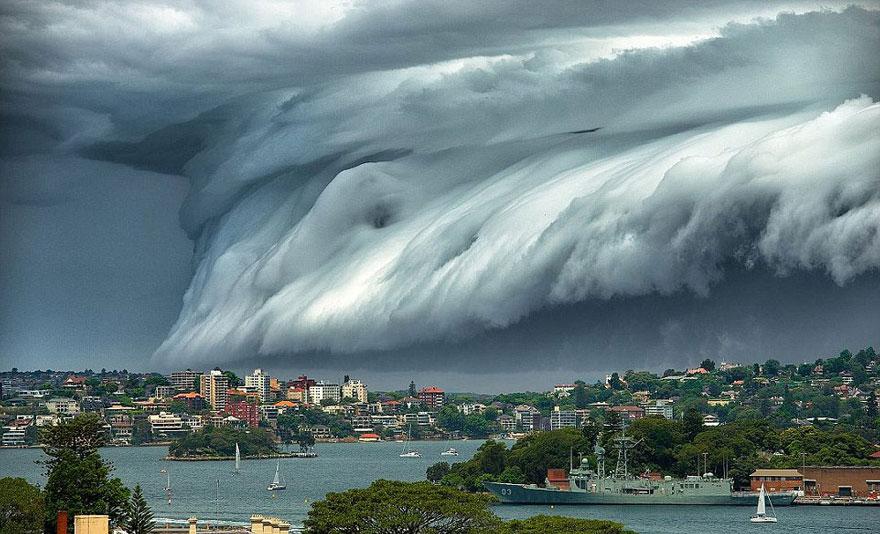 massive-cloud-tsunami-sydney-australia-01