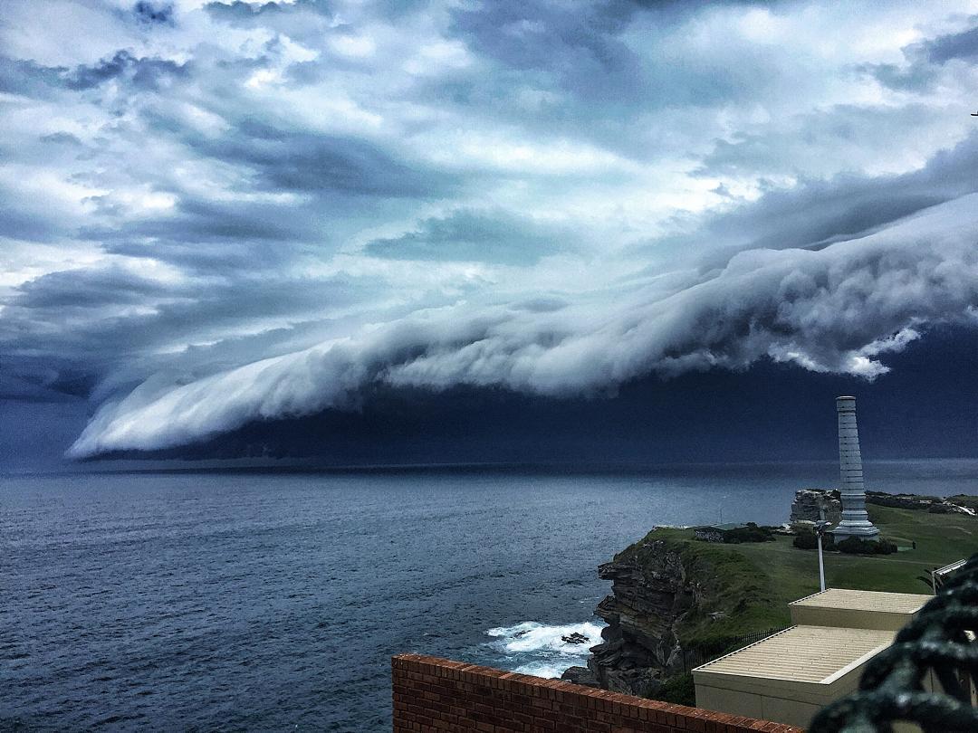 massive-cloud-tsunami-sydney-australia-02