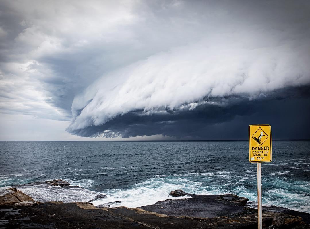 massive-cloud-tsunami-sydney-australia-04