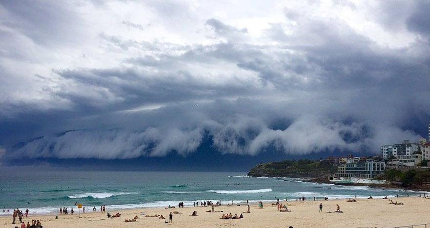 massive-cloud-tsunami-sydney-australia-05