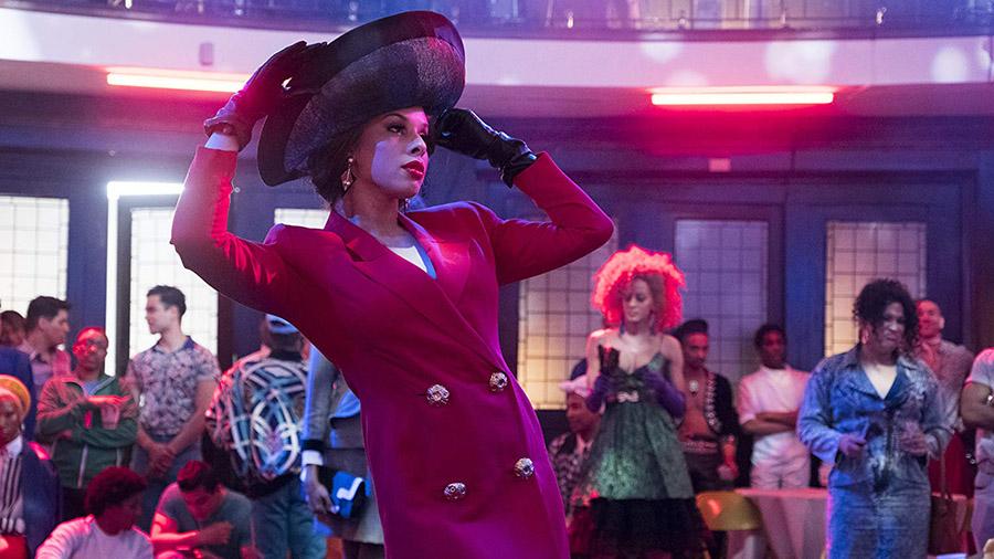 Кадр из сериала «Поза»