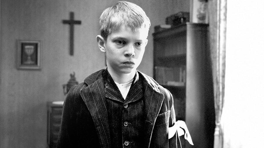 Черно-белый фильм «Белая лента»